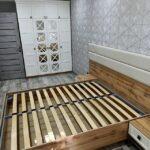 дизайн спальні з шафою купе