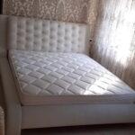 ліжко у спальню